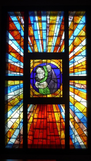stained-glass-window-180279_1280 (1)